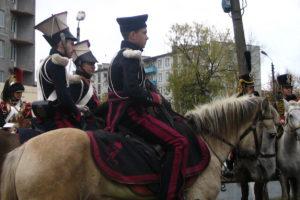 kavaleriya-na-ulicax-goroda