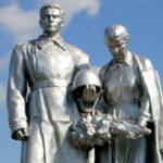 pamyatnik-sovetskim-soldatam-v-mixajlovskom