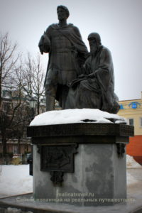 Памятник преподобному Савве Сторожевскому и князю Юрию Звенигородском. Звенигород