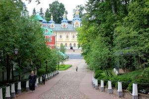 Псково-Печерский монастырь. Печоры3