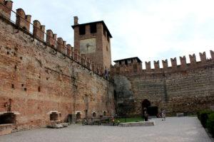 стены замка Касельвеккио. Верона