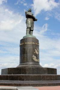 памятник Чкалову. Нижний Новгород